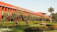 Top Colleges in Delhi University: Ranks, Placement, Fees